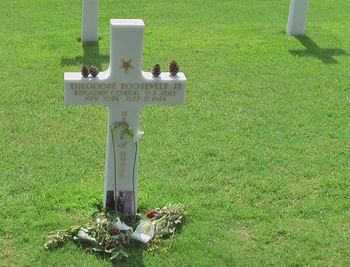 Grave of General Theodore Roosevelt Jr. Quentin Roosevelt, killed in 1918, is a few feet to the left. Photo by D. Dears