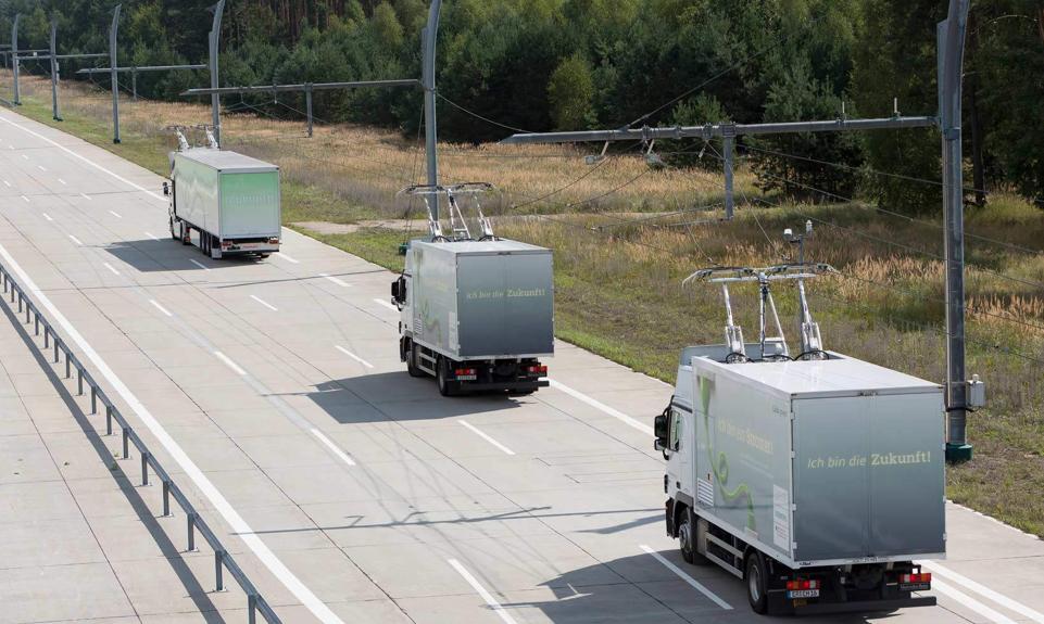 Trucks using overhead catenary in Germanys